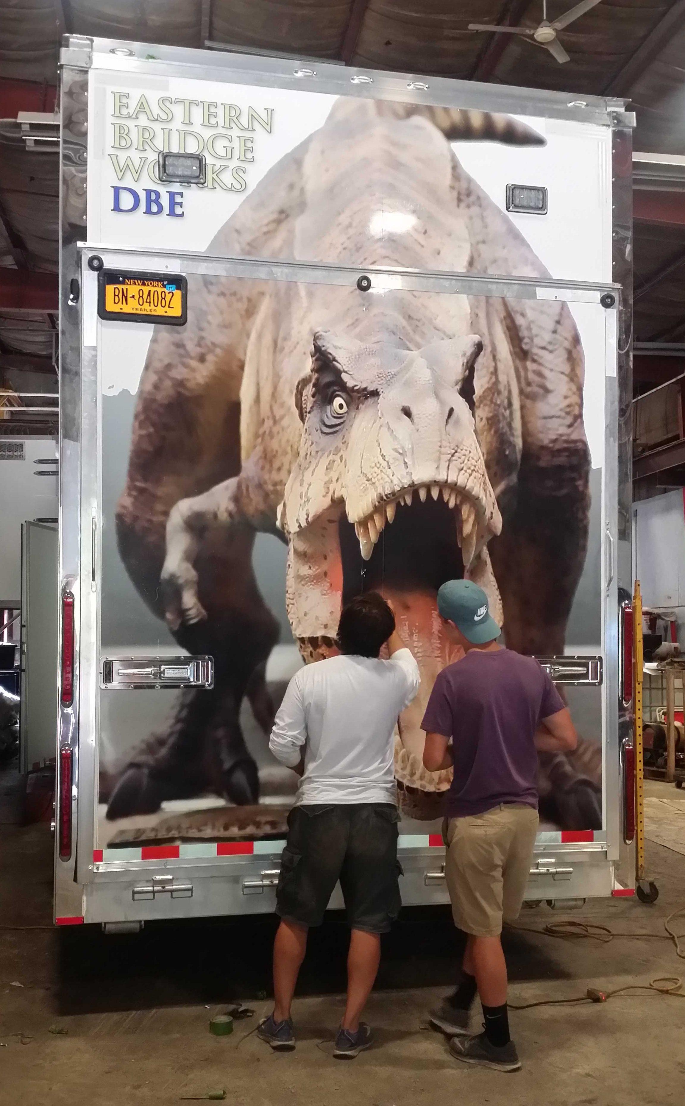 Dino2back